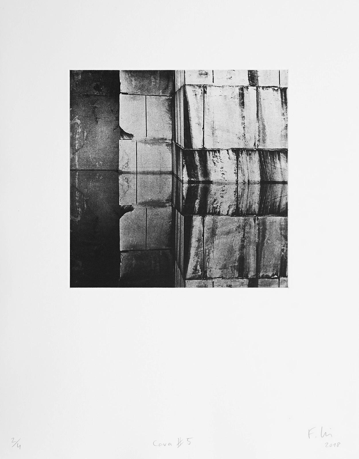 Cava #5 (2018)  medium: Photogravure  size: 36 x 46 cm  paper: Zerkall 270 g/qm  plate: 21.5 x 21.5 cm  edition: 7 copies  numbered: 1/4 - 4/4, 3 e.a.  printer: FWU