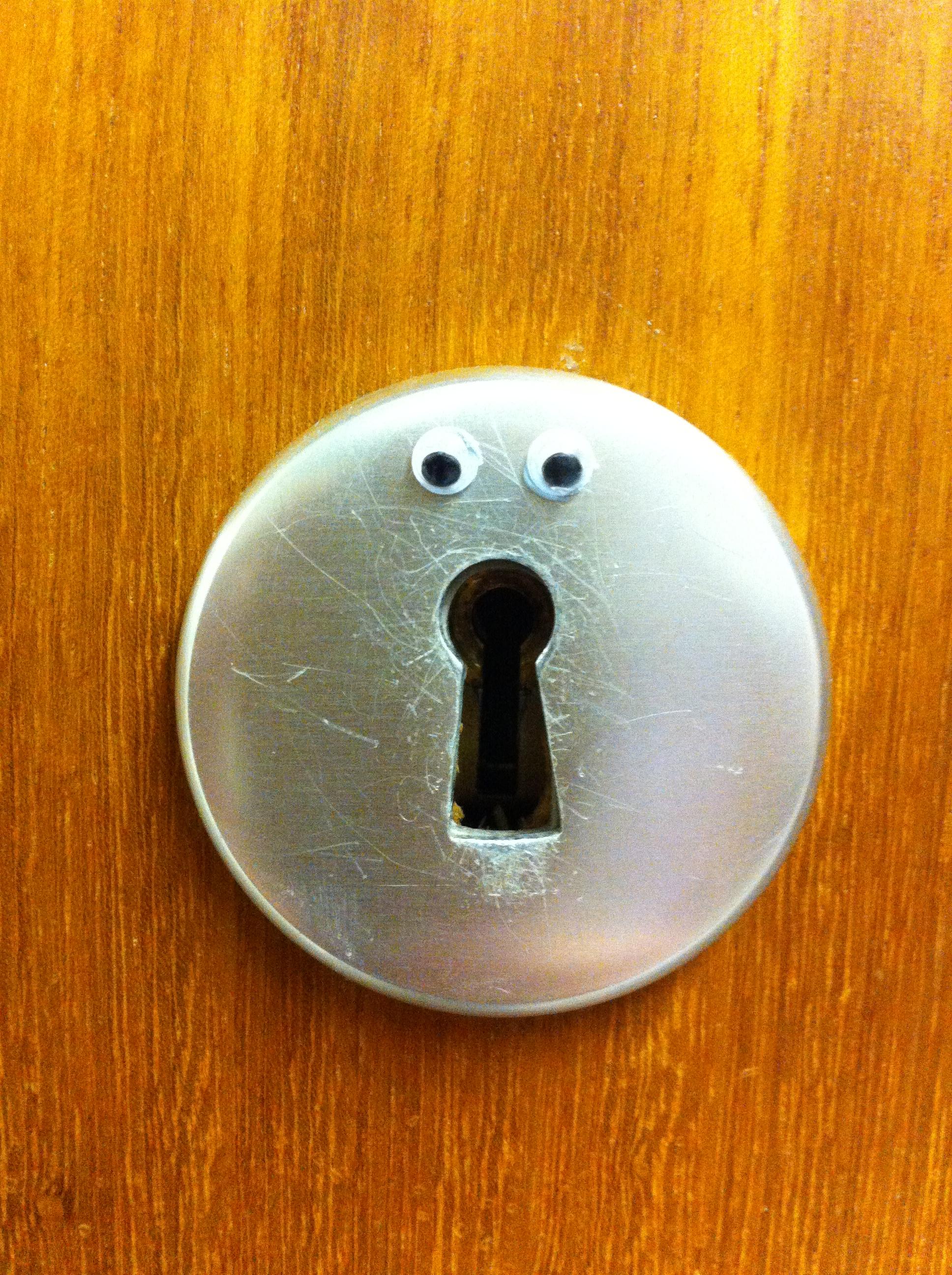 keyhole eyes.JPG