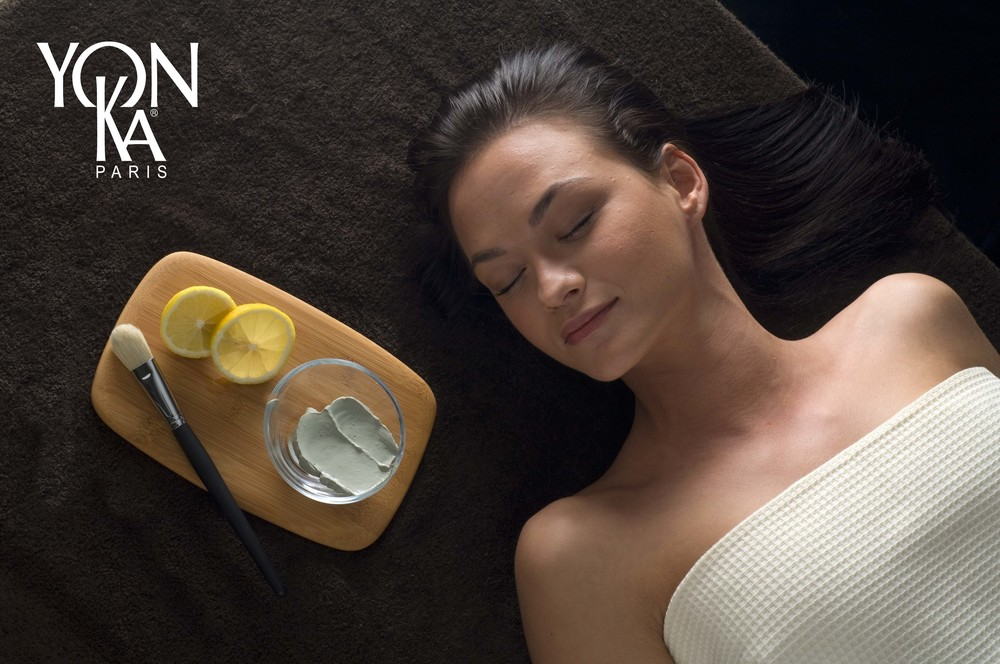 Le Grand Classique     Deep cleansing treatment, healing and relaxing     90 minutes 290 Lei        One of the most elaborate, complete facials. Leaves you with clean, perfectly balanced skin and a radiant complexion. Customized and recommended at any age, it centers on Yon-Ka's exclusive deep cleansing regimen: in 5 successive steps carried out with the utmost care in the oxygenating atmosphere of the 5 Quintessence* essential oils, the pure glow of the epidermis is revealed, one step at a time.