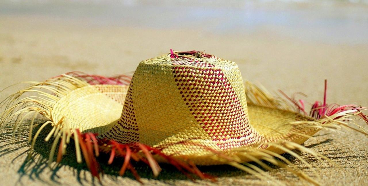 l'atelier sera fermé du 1er au 21 août! à très bientôt pour de nouveaux chapeaux