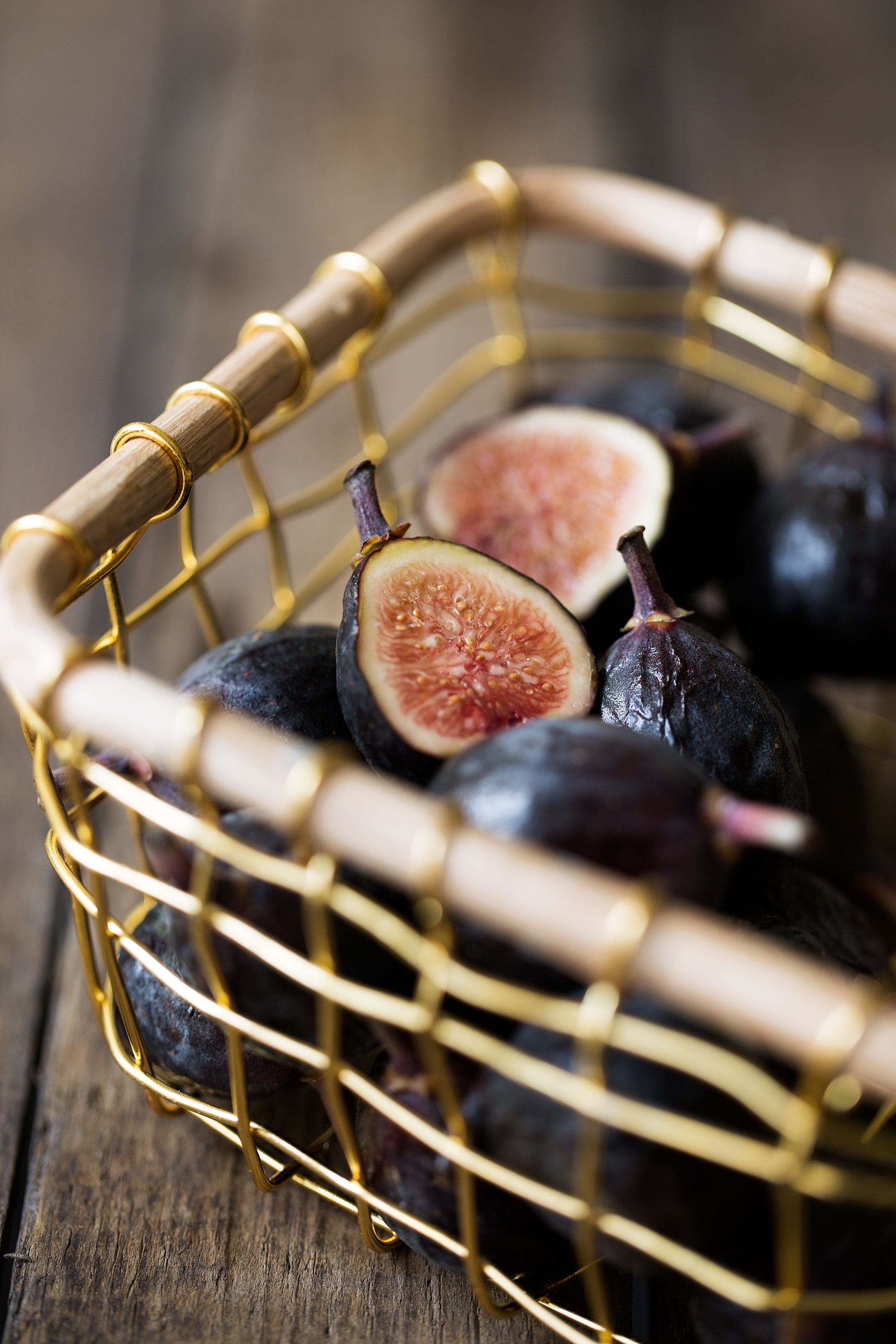 black mission figs cooking with cocktail rings