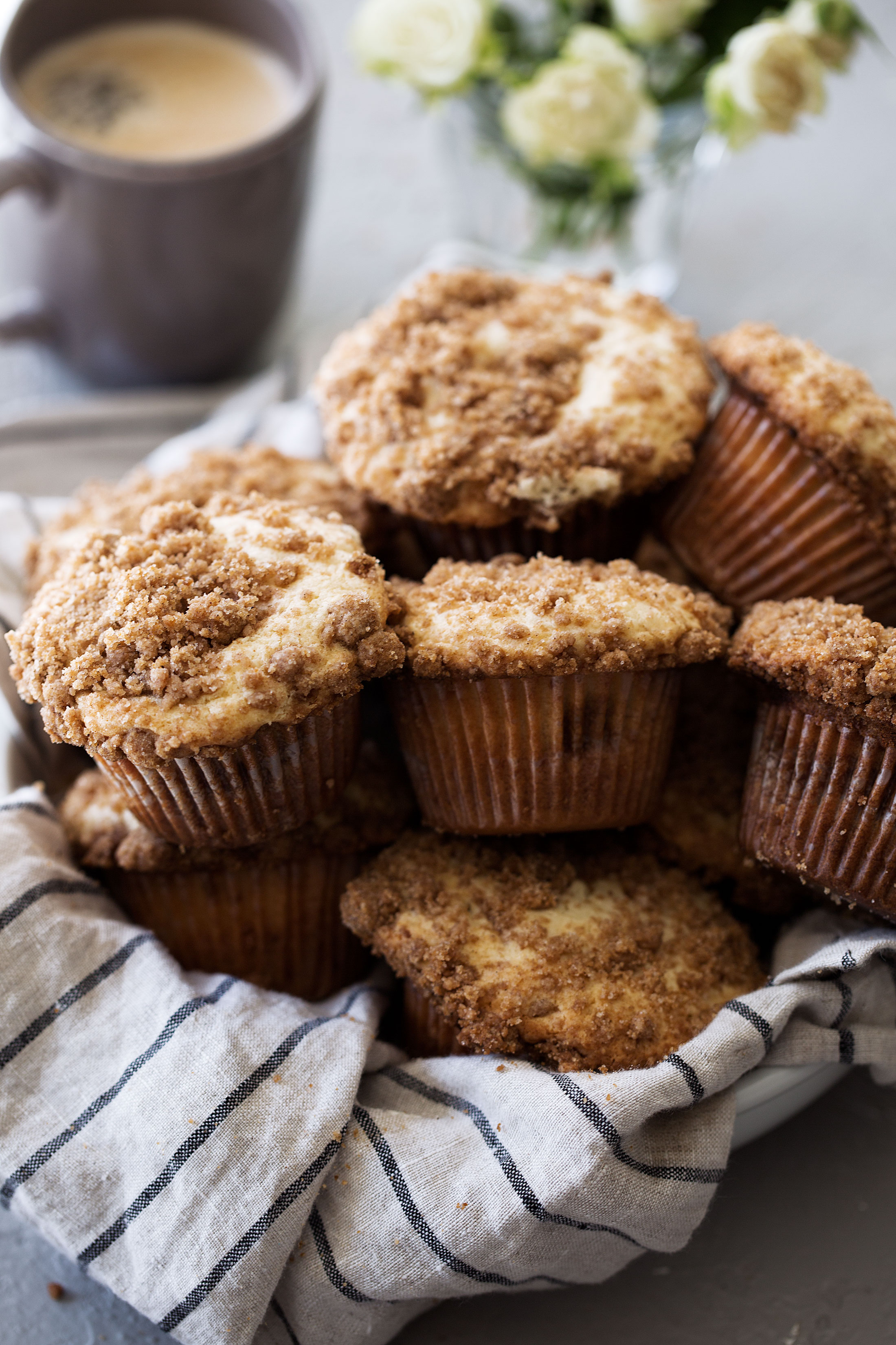 coffee cake streusel muffins recipe from cooking with cocktail rings