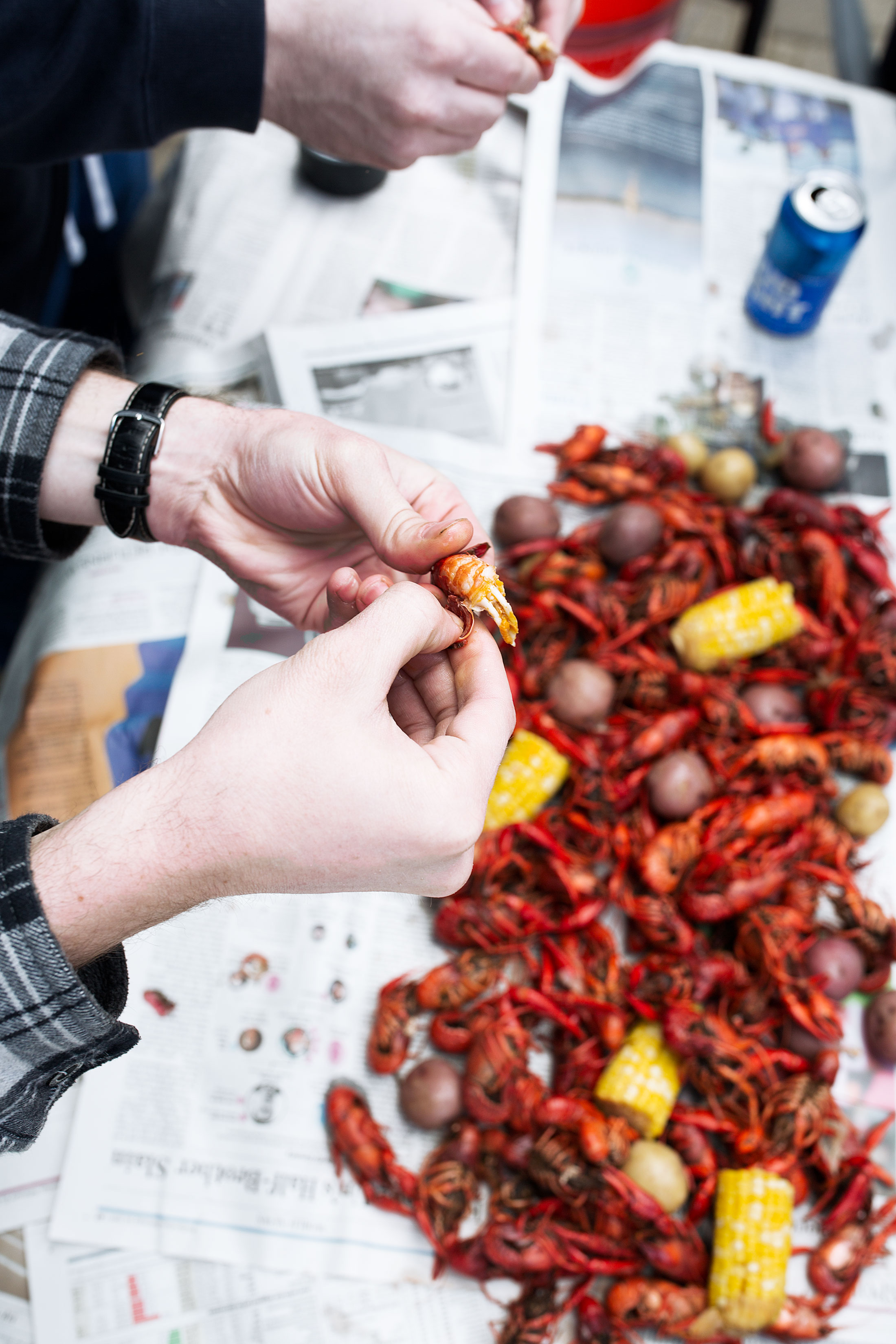 traditional crawfish boil recipe from cooking with cocktail rings peeling crawfish tails