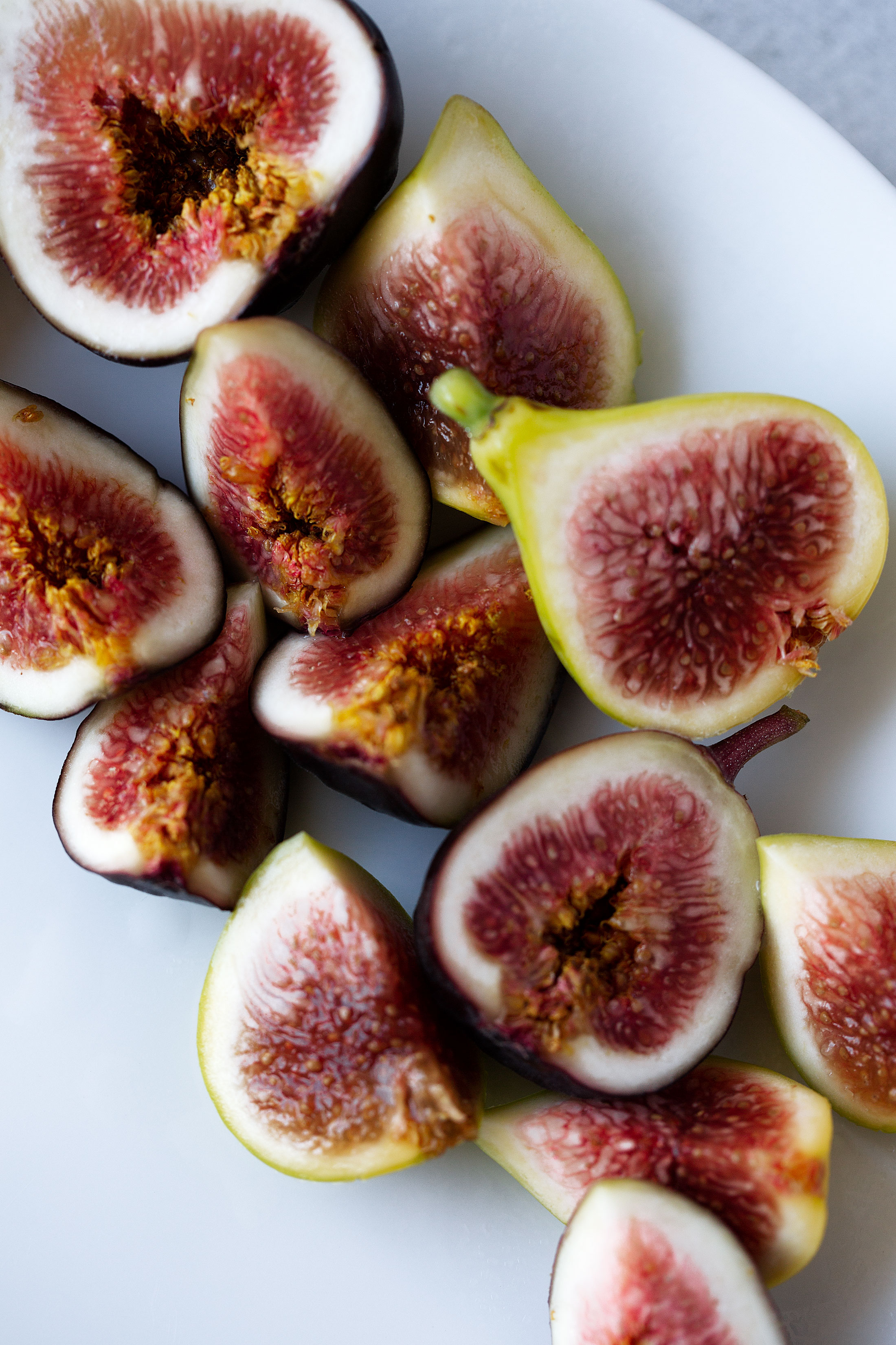 figs cooking with cocktail rings