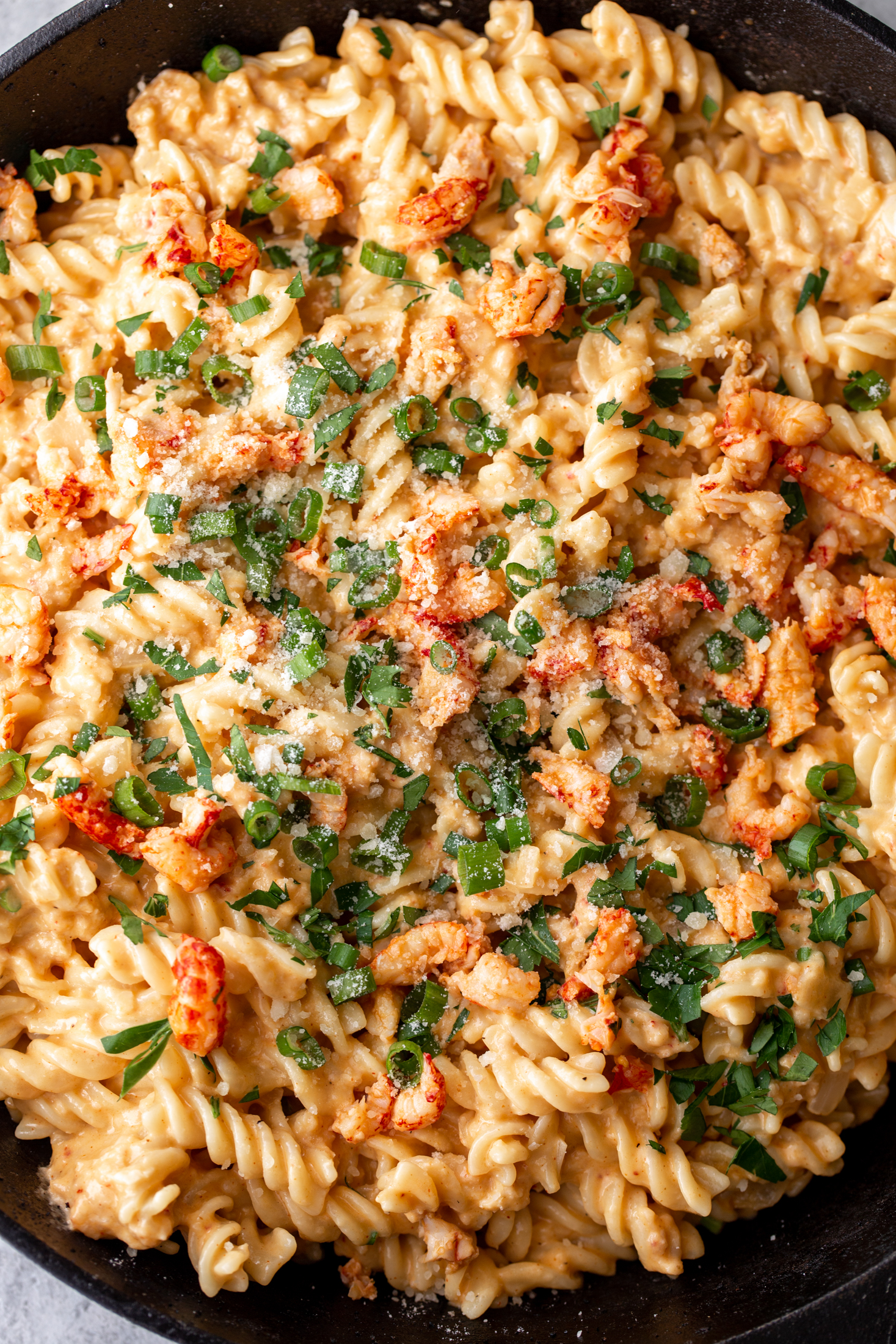 cajun crawfish mac and cheese recipe from cooking with cocktail rings