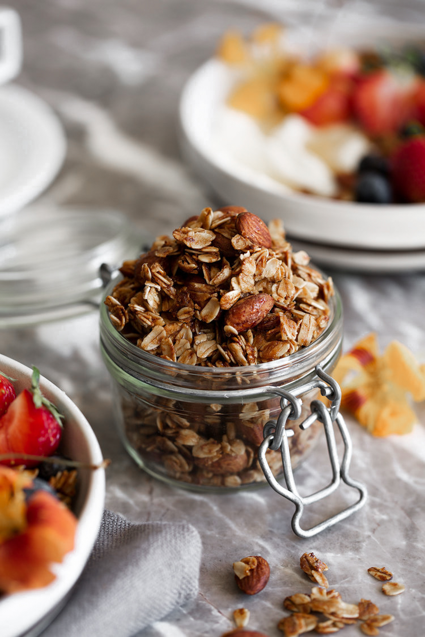 honey almond granola-2.jpg
