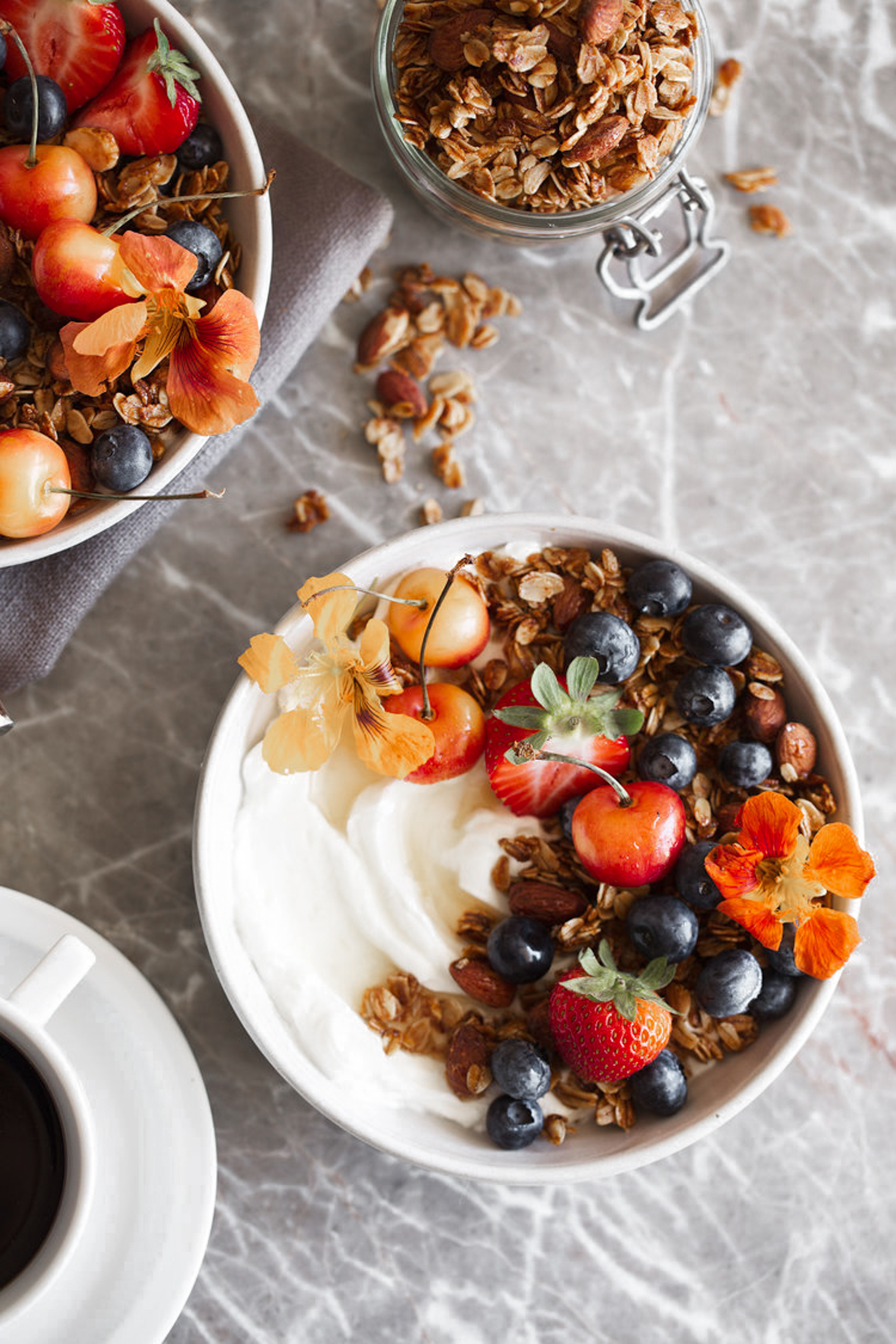 honey almond granola.jpg