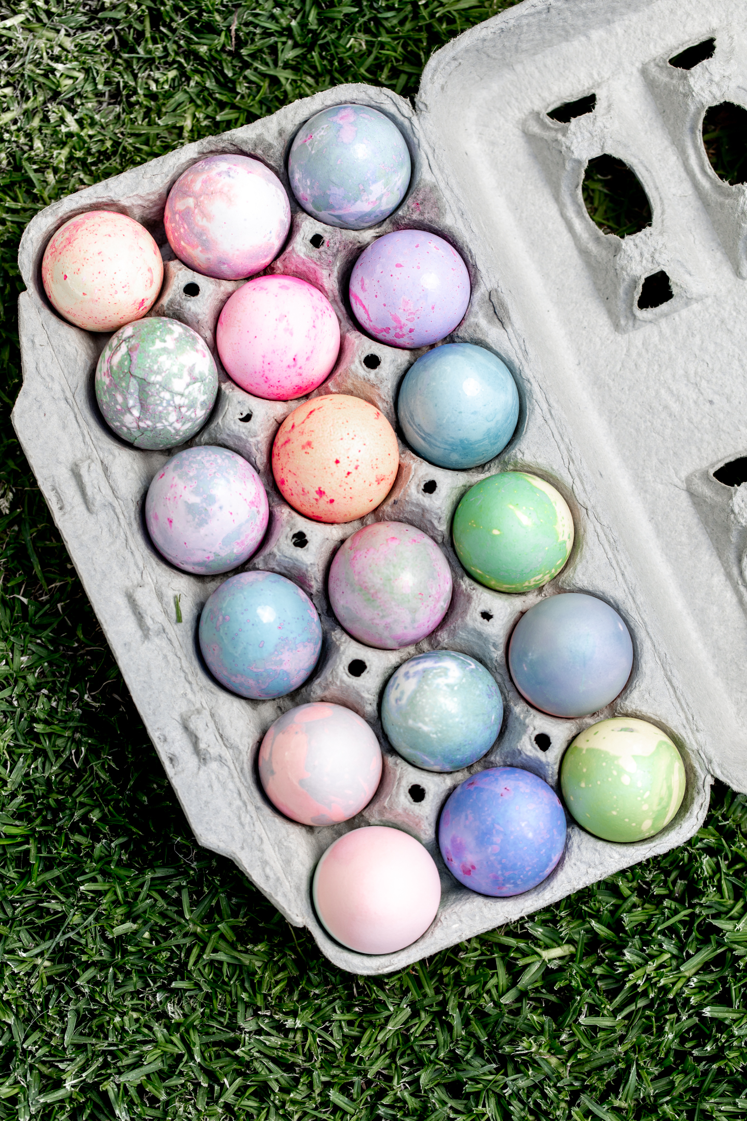 arts and crafts dyeing easter eggs