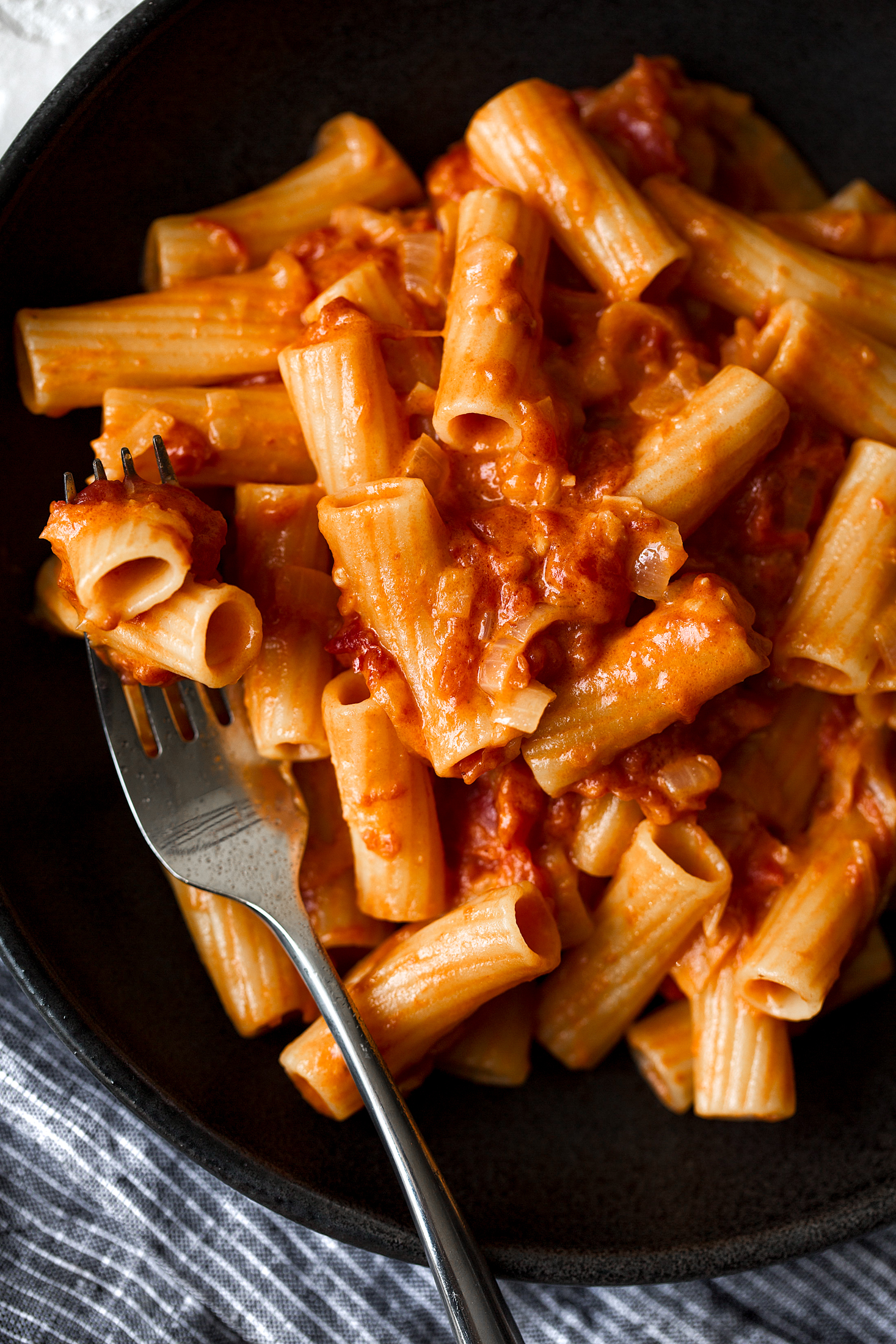 spicy rigatoni recipe from cooking with cocktail rings pasta dinner