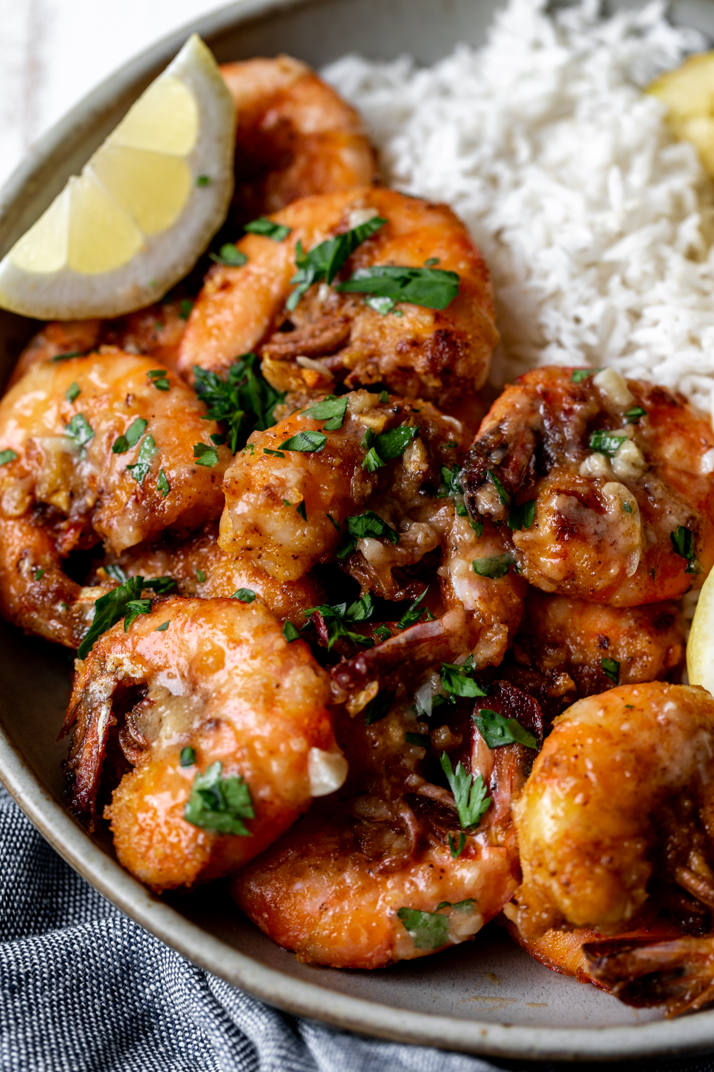 Hawaiian garlic butter shrimp recipe from cooking with cocktail rings closeup