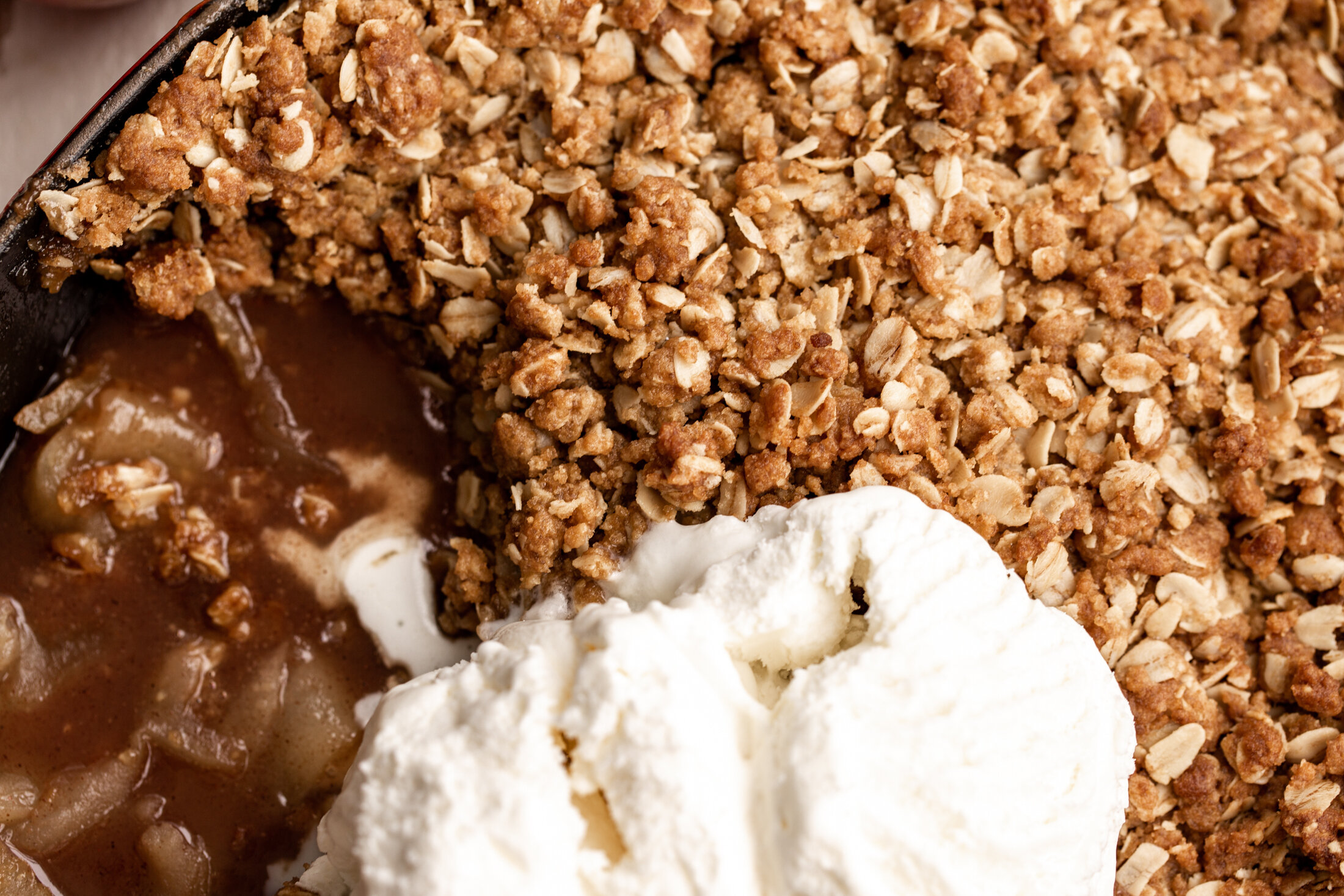 apple crisp closeup