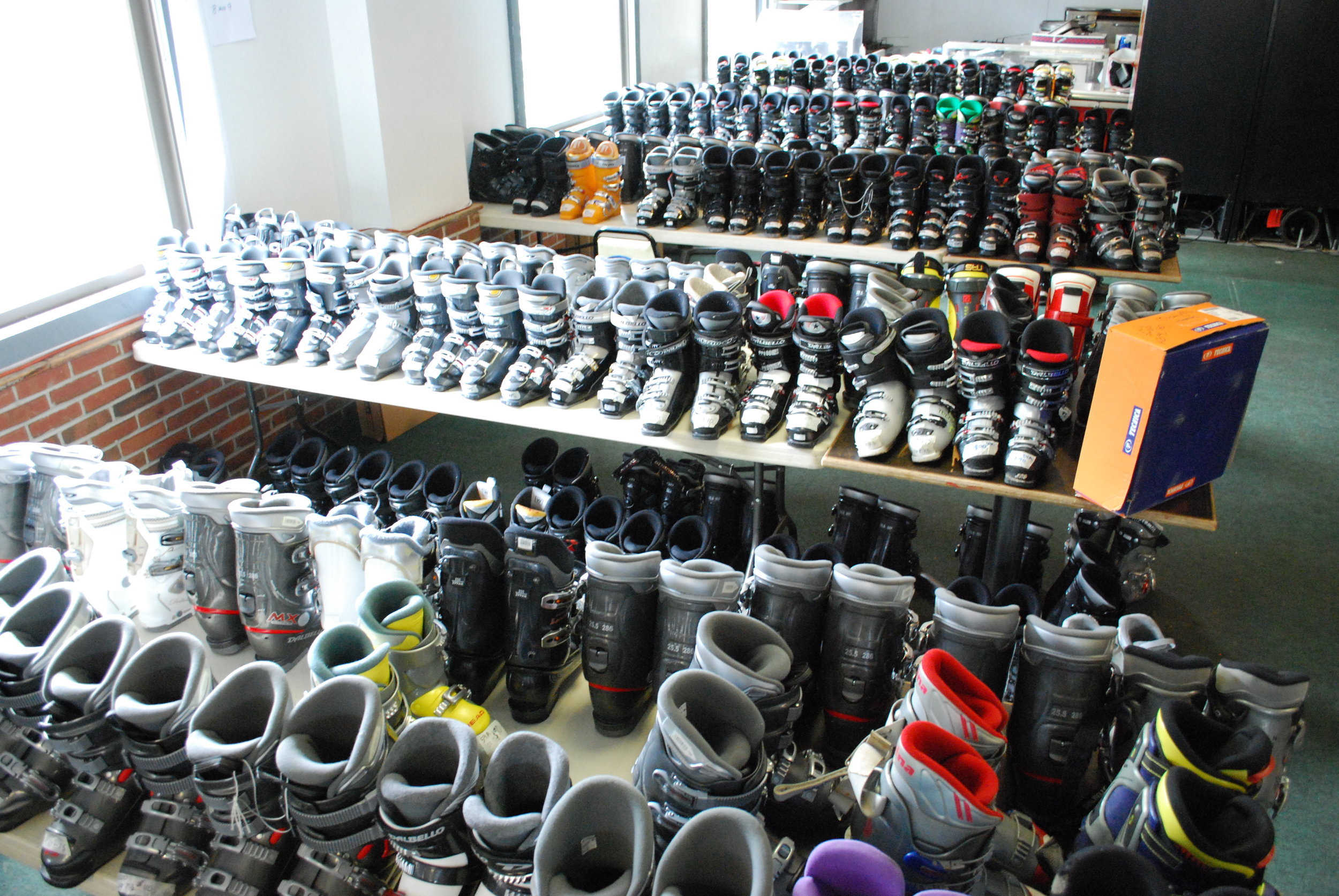 Items must be clean and in working order with no broken or missing pieces. - Ski boots should be buckled shut, snowboards with working bindings, etc.