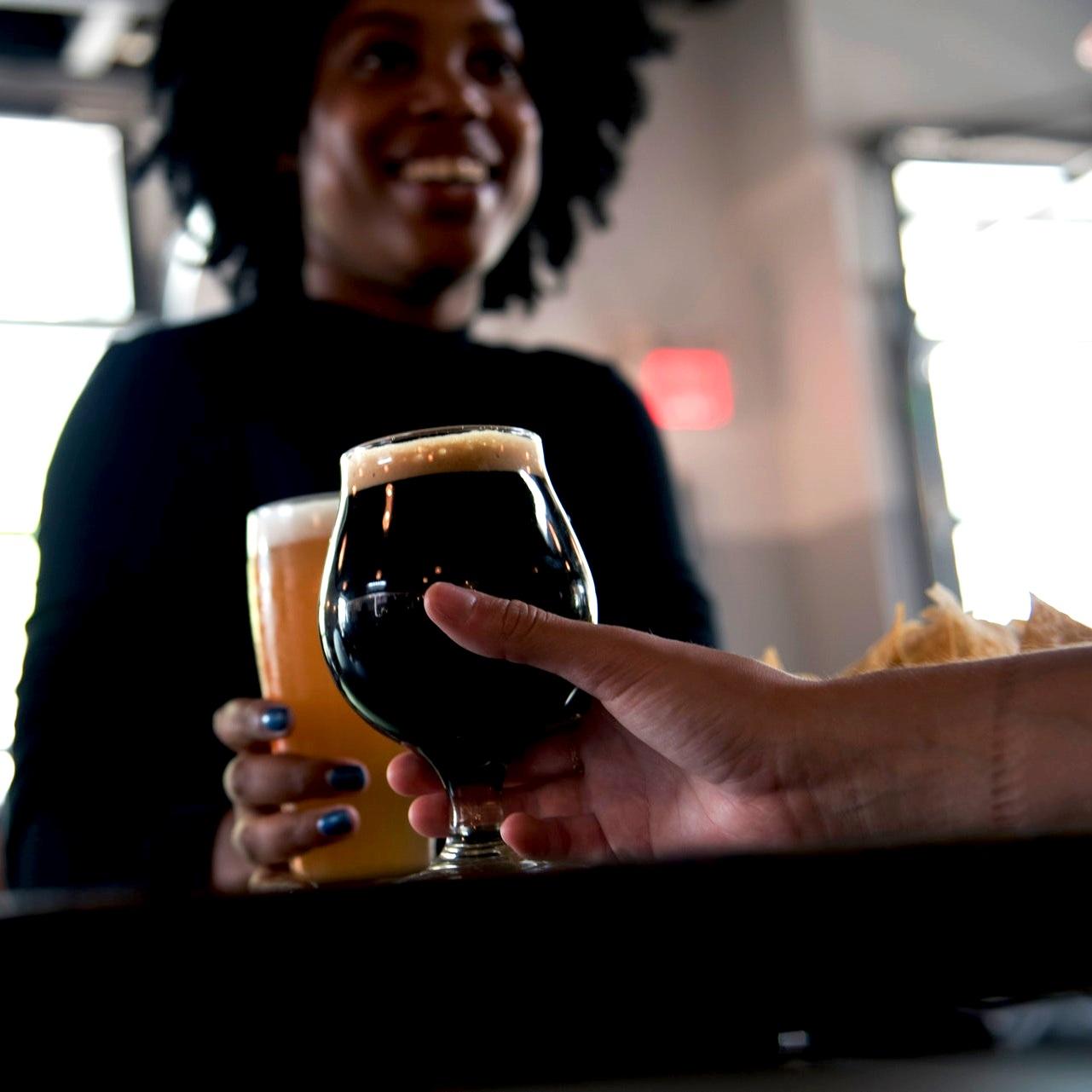 alcoholic-beverage-beer-beverage-1269034.jpg