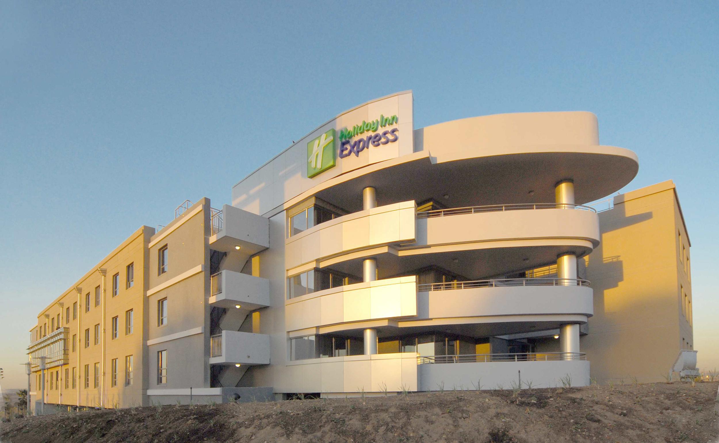 hotels-holiday inn express woodmead.jpg