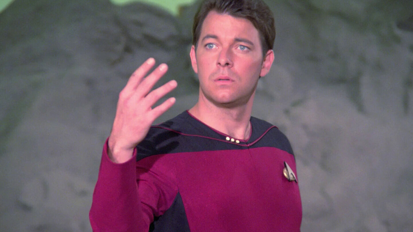 Commander Riker (Jonathan Frakes) tests out his new powers on an alien world.
