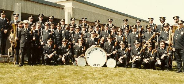 1983 Band gathers outside Academy.jpg