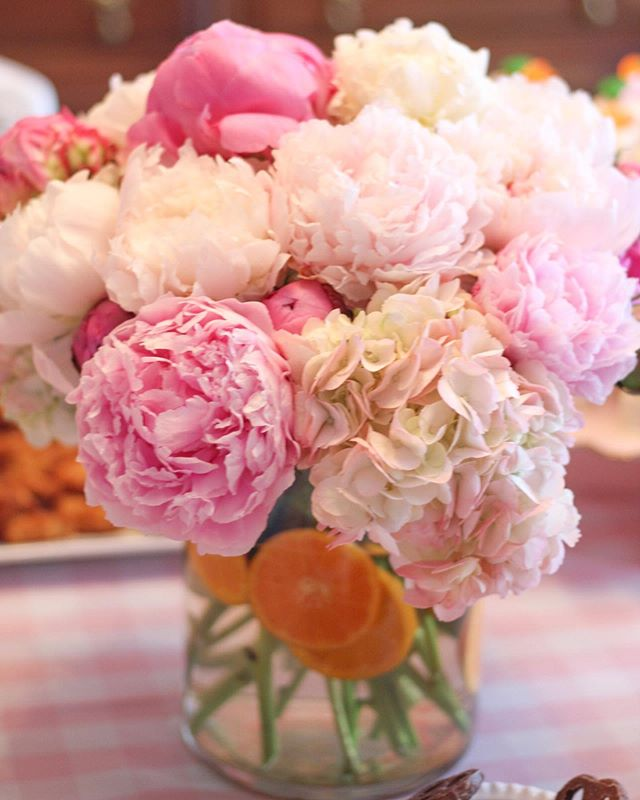 Trader Joe's peonies for the win 🙌🏻😍💗