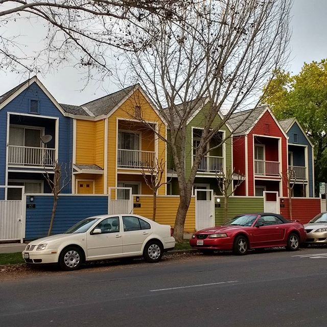 One more photo from #Sacramento.  Never be afraid of a little #Color.
