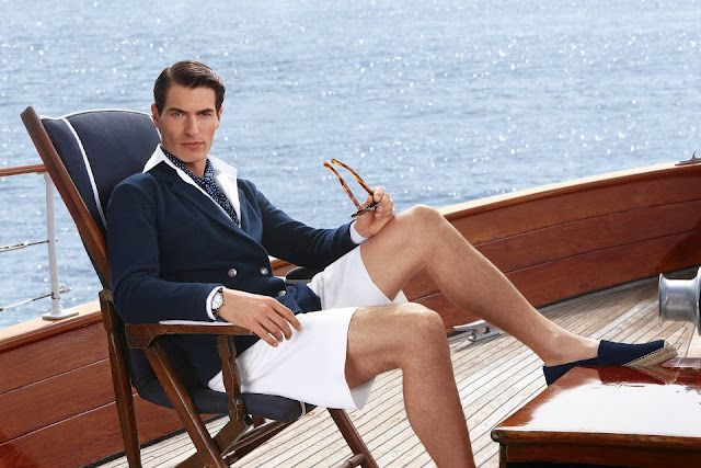Source:http://fashionew.com/wp-content/uploads/2015/08/Sailor-fashion-style-clothes-wearing-on-luxury-yacht-trip-1.jpg