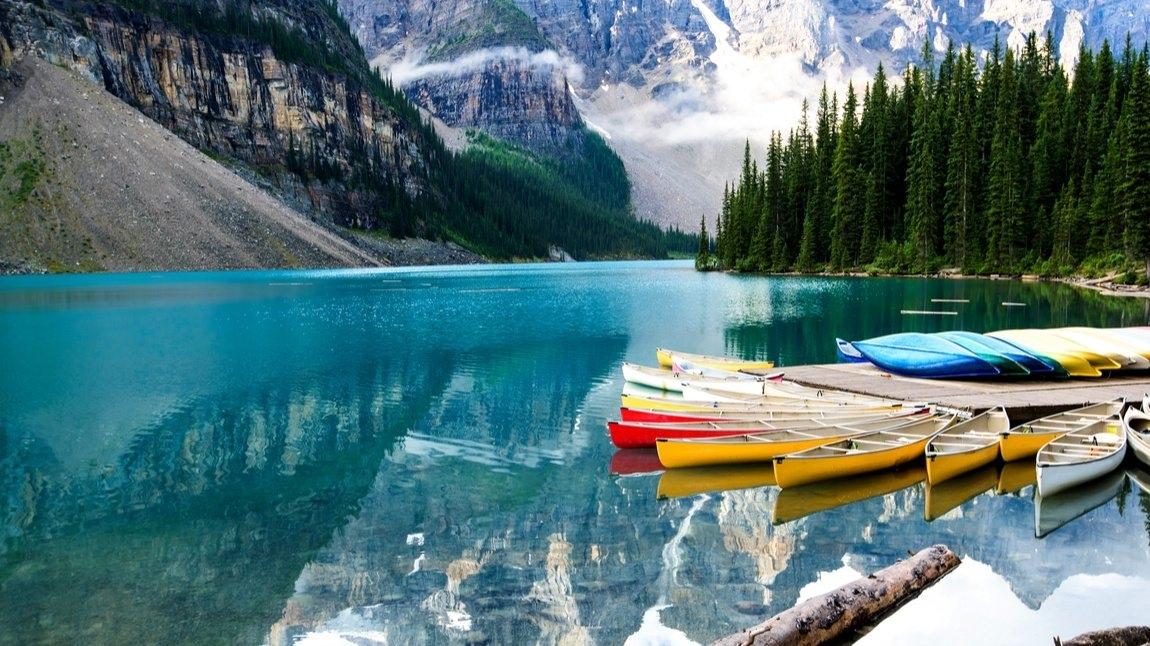 Canada-Gallery-Banff-Lake.jpg
