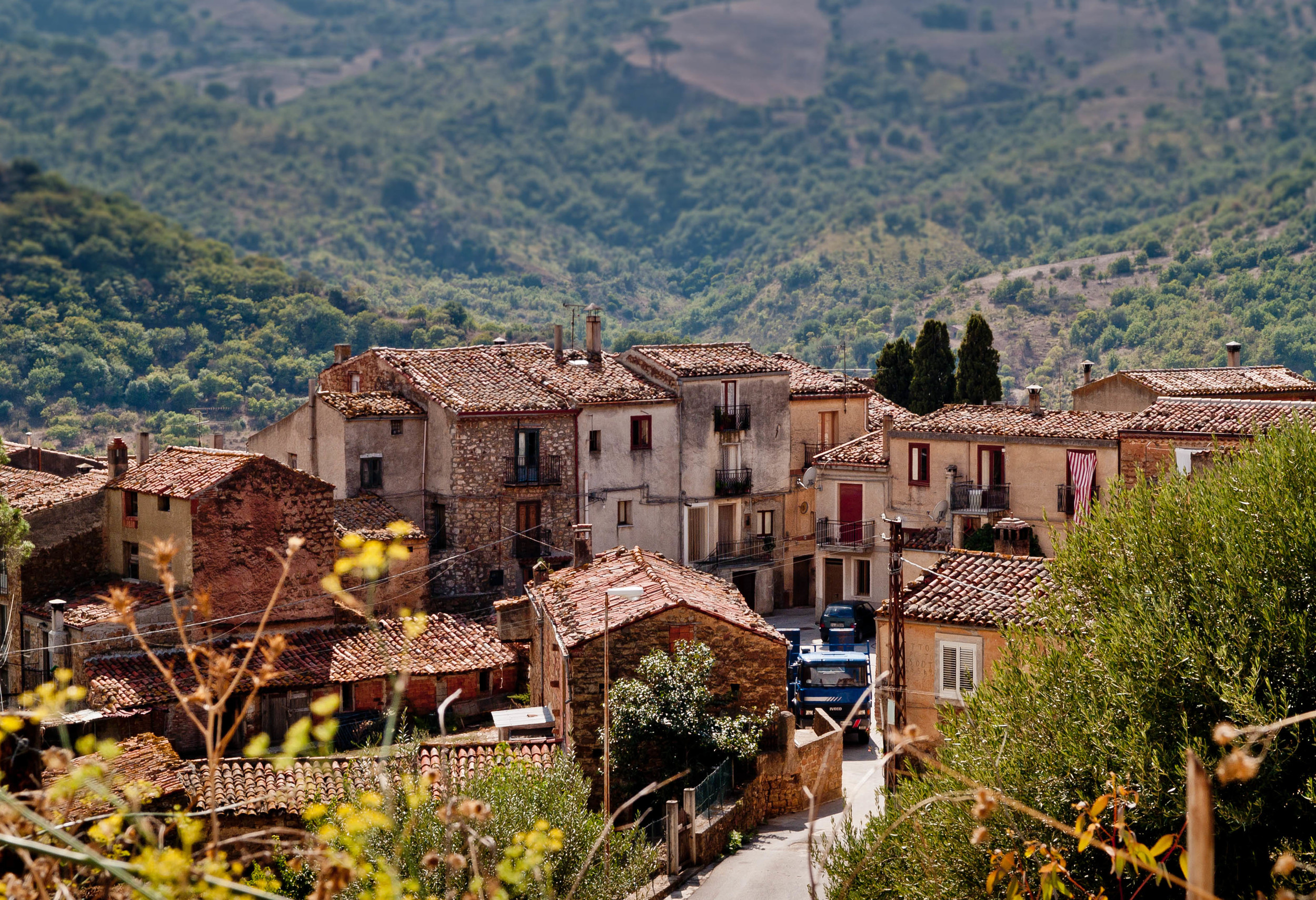 sicilian-small-village-michele-ursino.jpg