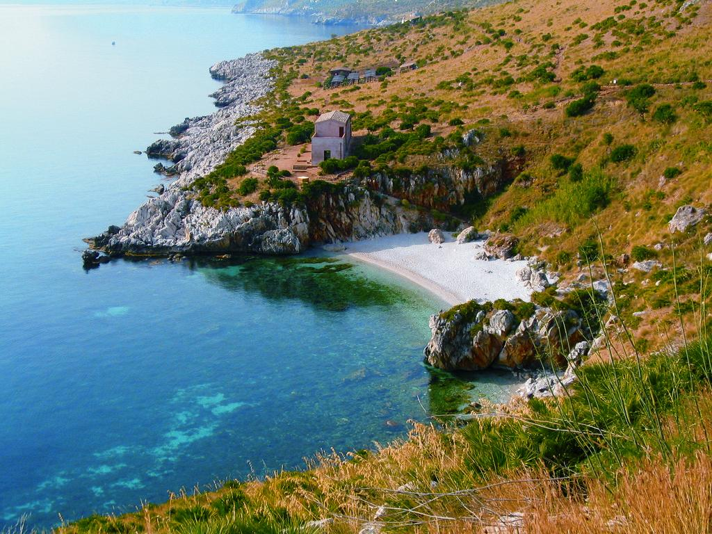 Zingaro beach from http://www.loveitaly.co.uk