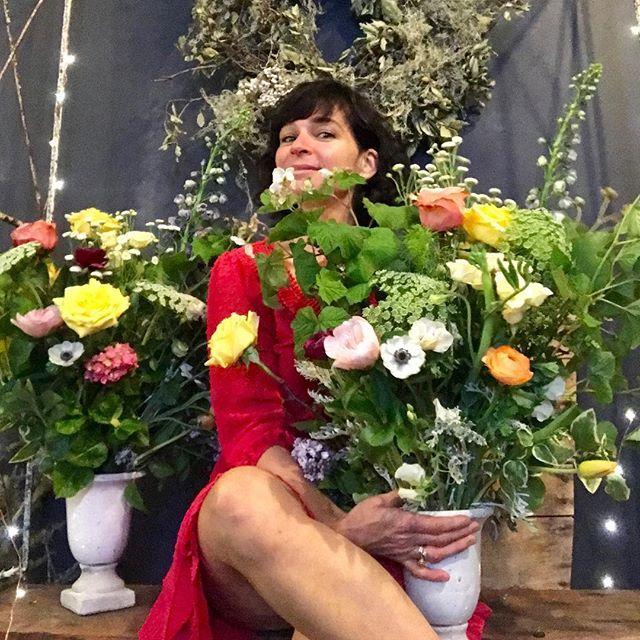 #dandelionflowershop #gardenarrangements