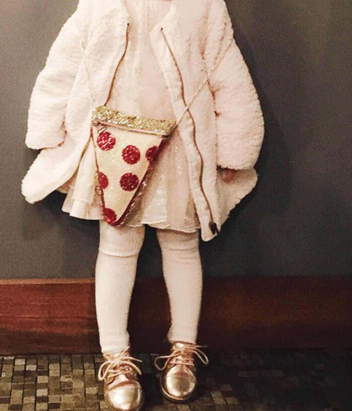 pizza bag via glitter guide on instagram | @themissprints