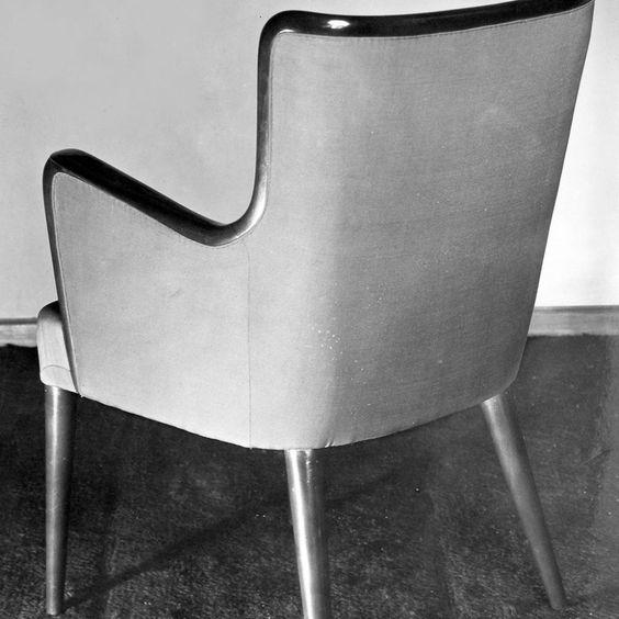 Poltrona  (armchair) , 1945.