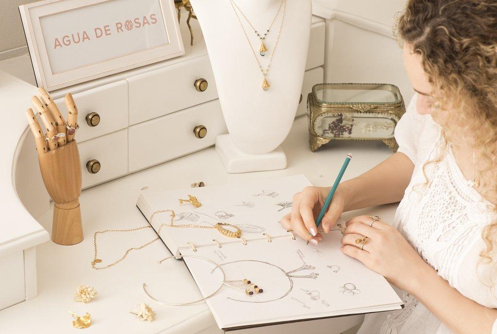 jewelry brand logo .jpg
