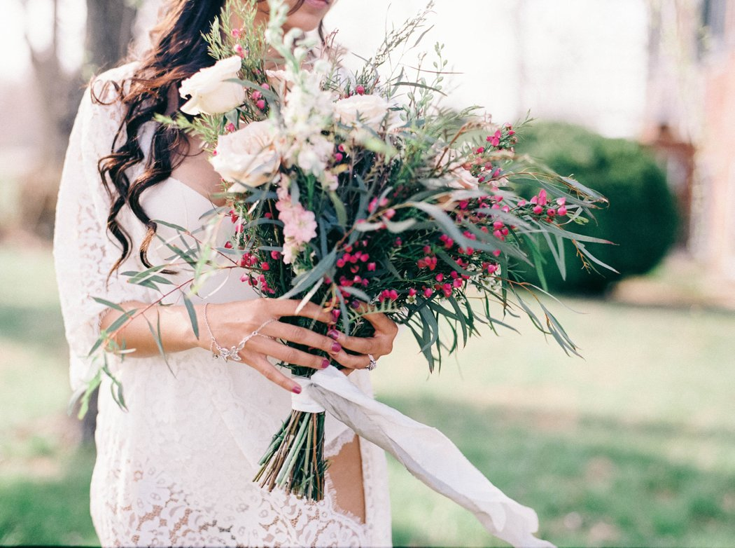 amanda_burnette_richmond_wedding_florist_wedding_organic_flowers_bridal-portrait_boudoir-photo_0001.jpg