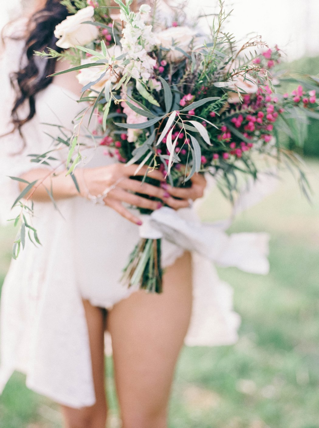 amanda_burnette_richmond_wedding_florist_wedding_organic_flowers_bridal-portrait_boudoir-photo_0004.jpg