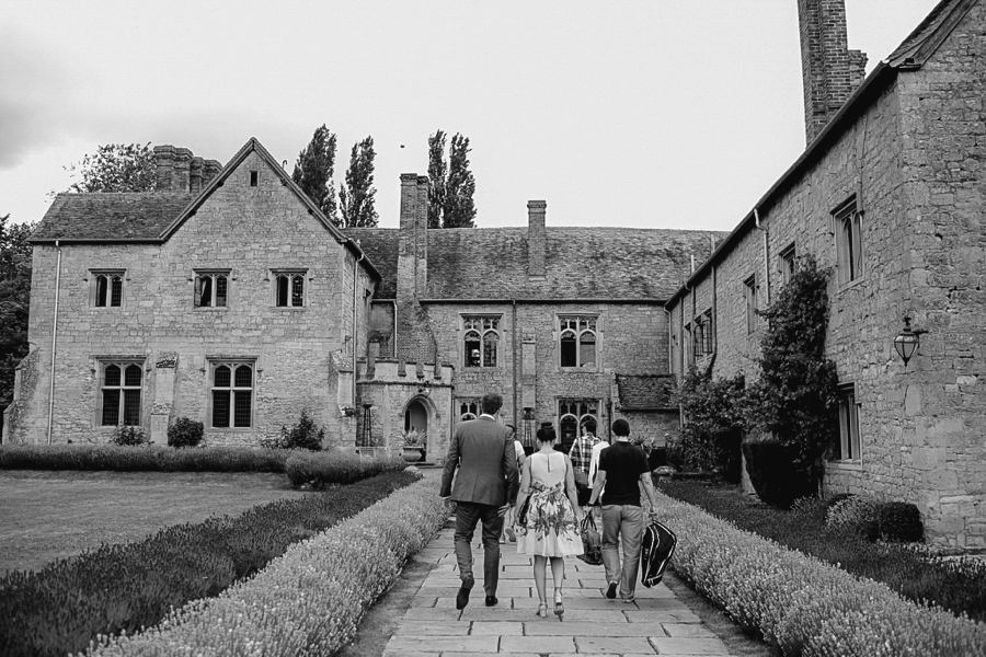 Notley-abbey-buckinghamshire-england-wedding-abi-q-photography--112.jpg