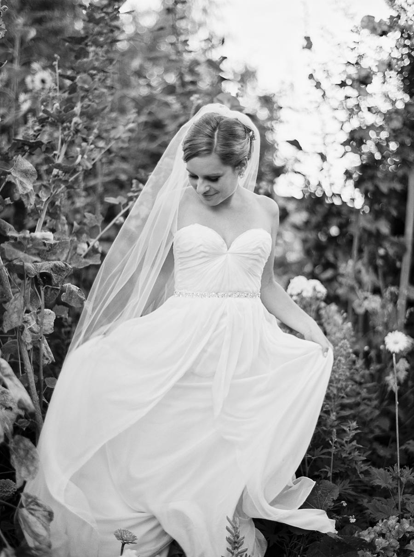 Sonoma-garden-pavilion-wedding-abi-q-photography-sanoma-california_0196.jpg