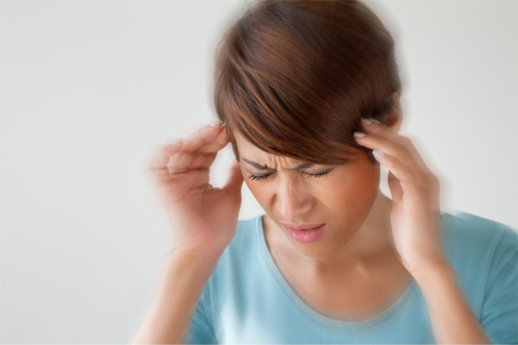 Migrene er anfall av hodepine, gjerne halvsidige, som ofte er ledsaget av kvalme, oppkast, lydoverfølsomhet og lysskyhet.