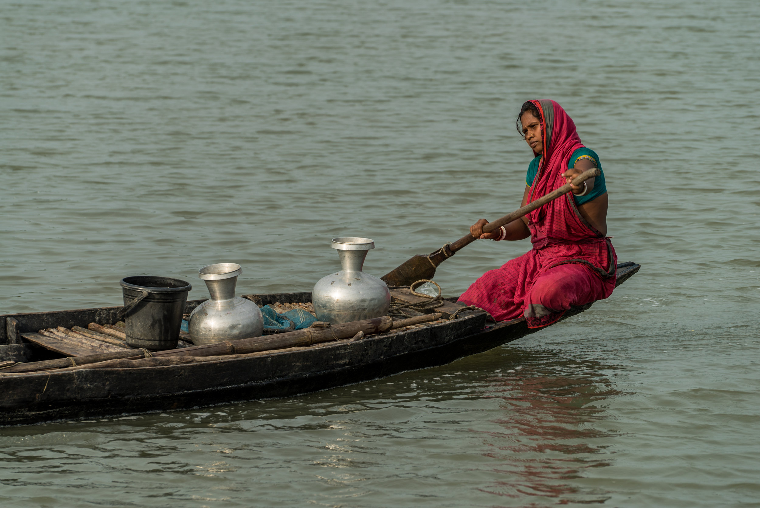 Bangladesh-water collection-woman-river-Photo-by-Aaron-Minks-DSC05373.jpg