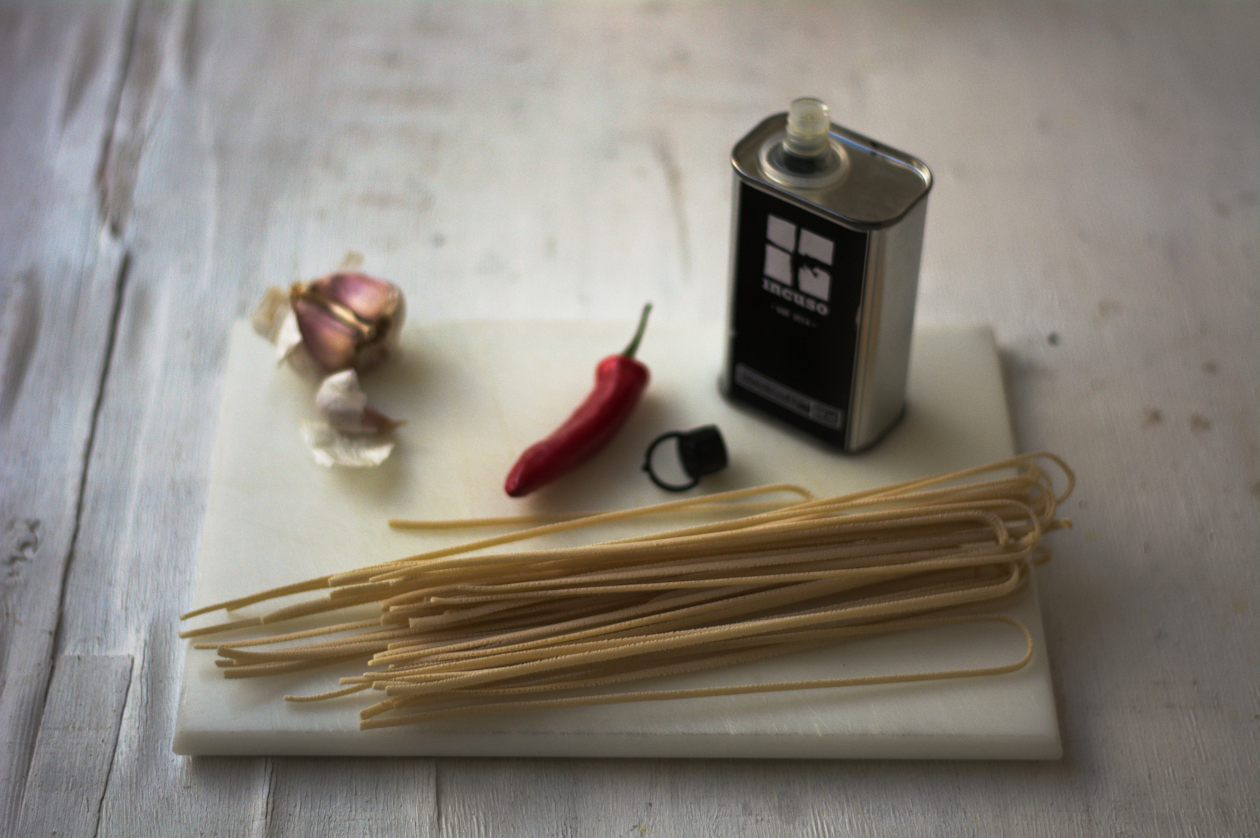 aglio-olio-ingredients.jpg