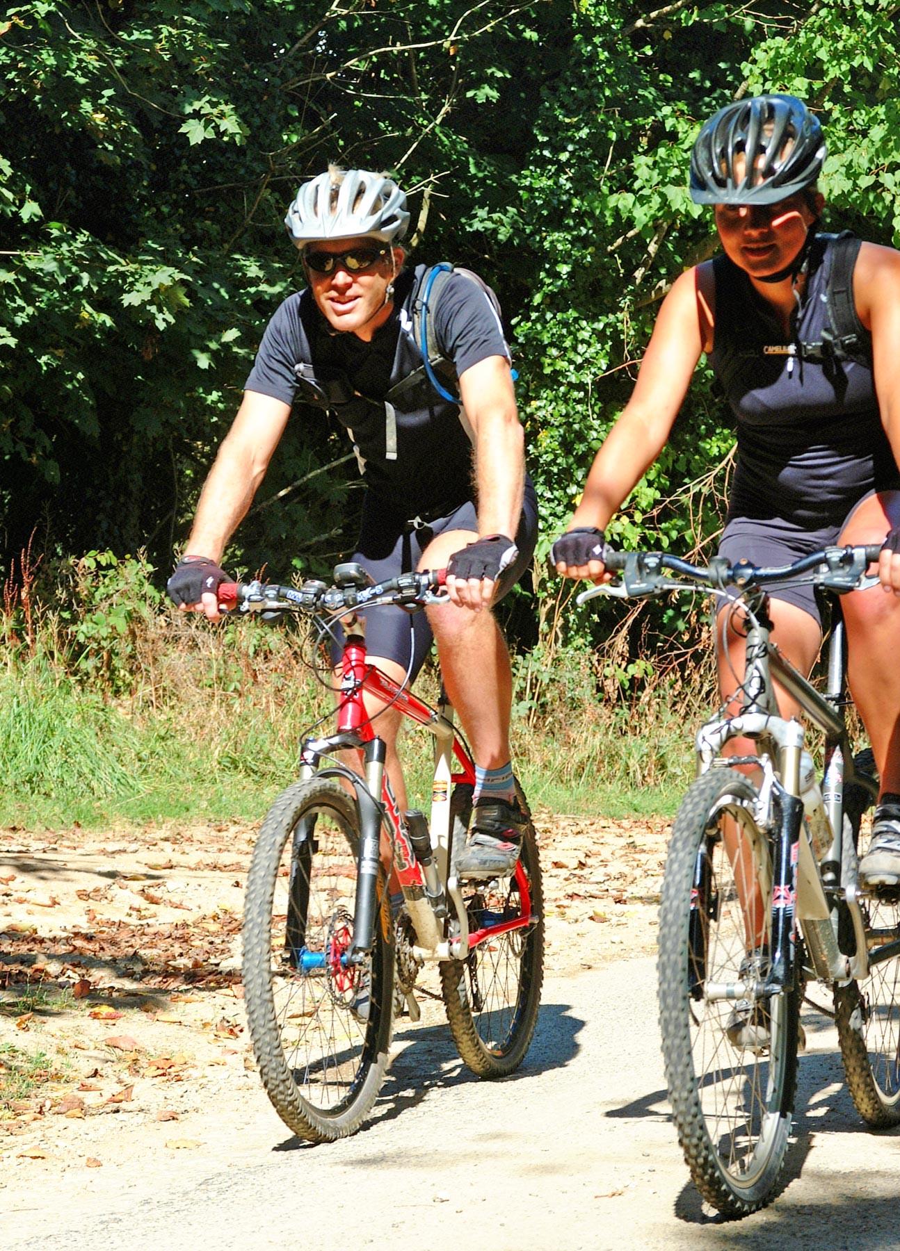 Cornish cycling couple 2.JPG