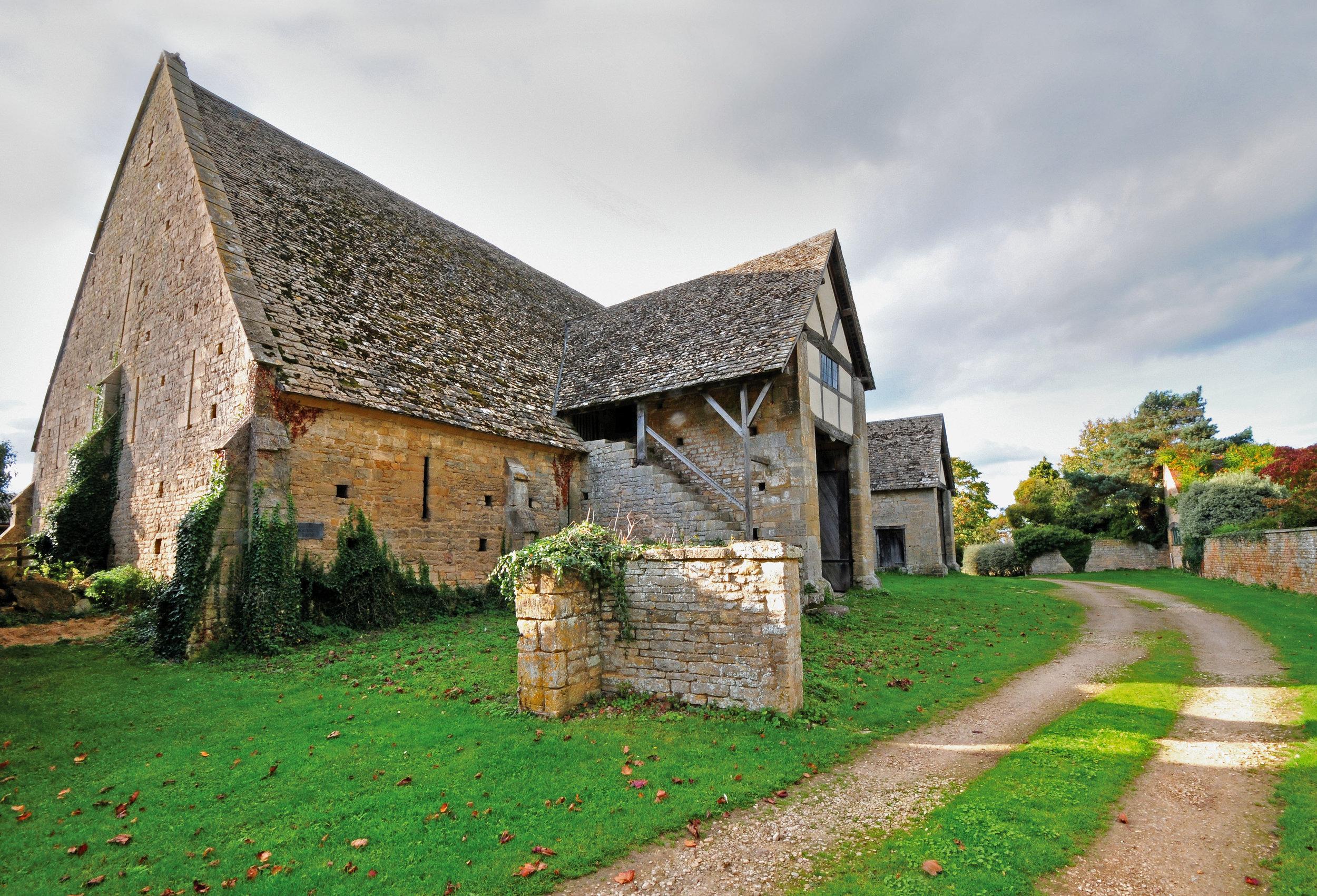 Front View, Bredon Tithe Barn, Bredon, Glos., England.jpg