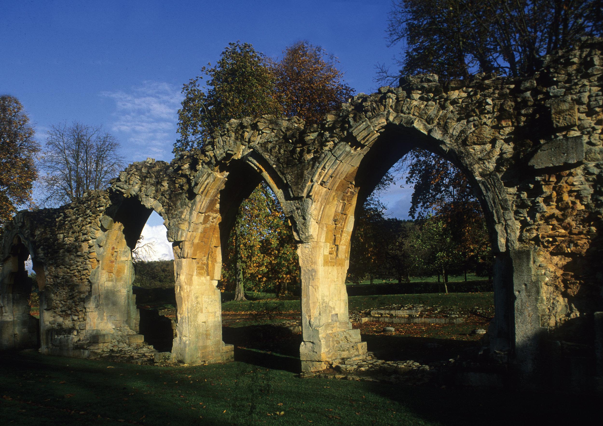 Hailes Abbey, Winc hcombe, Glos 01.jpg