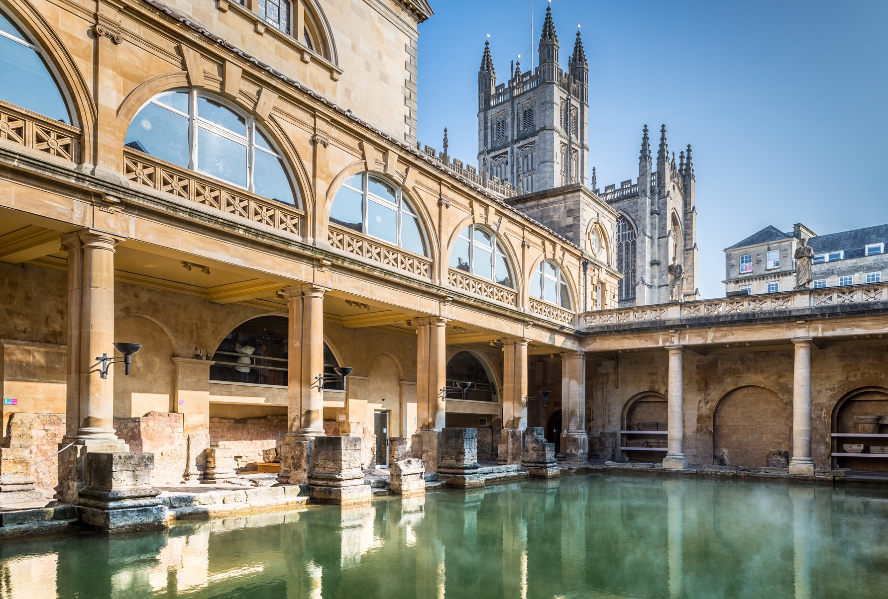 Great Bath and Bath Abbey.jpg
