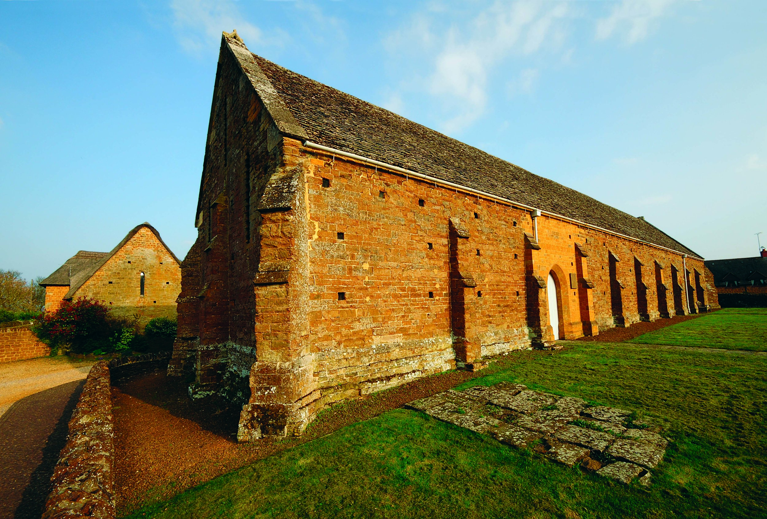 Swalcliffe Tithe Barn .jpg