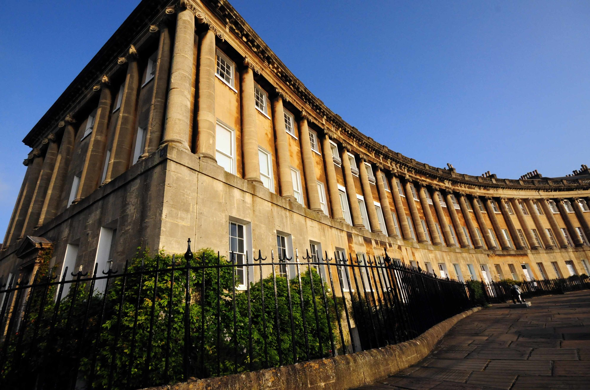 2190. Wide Angle, West End, The Royal Crescent, Bath, England.jpg