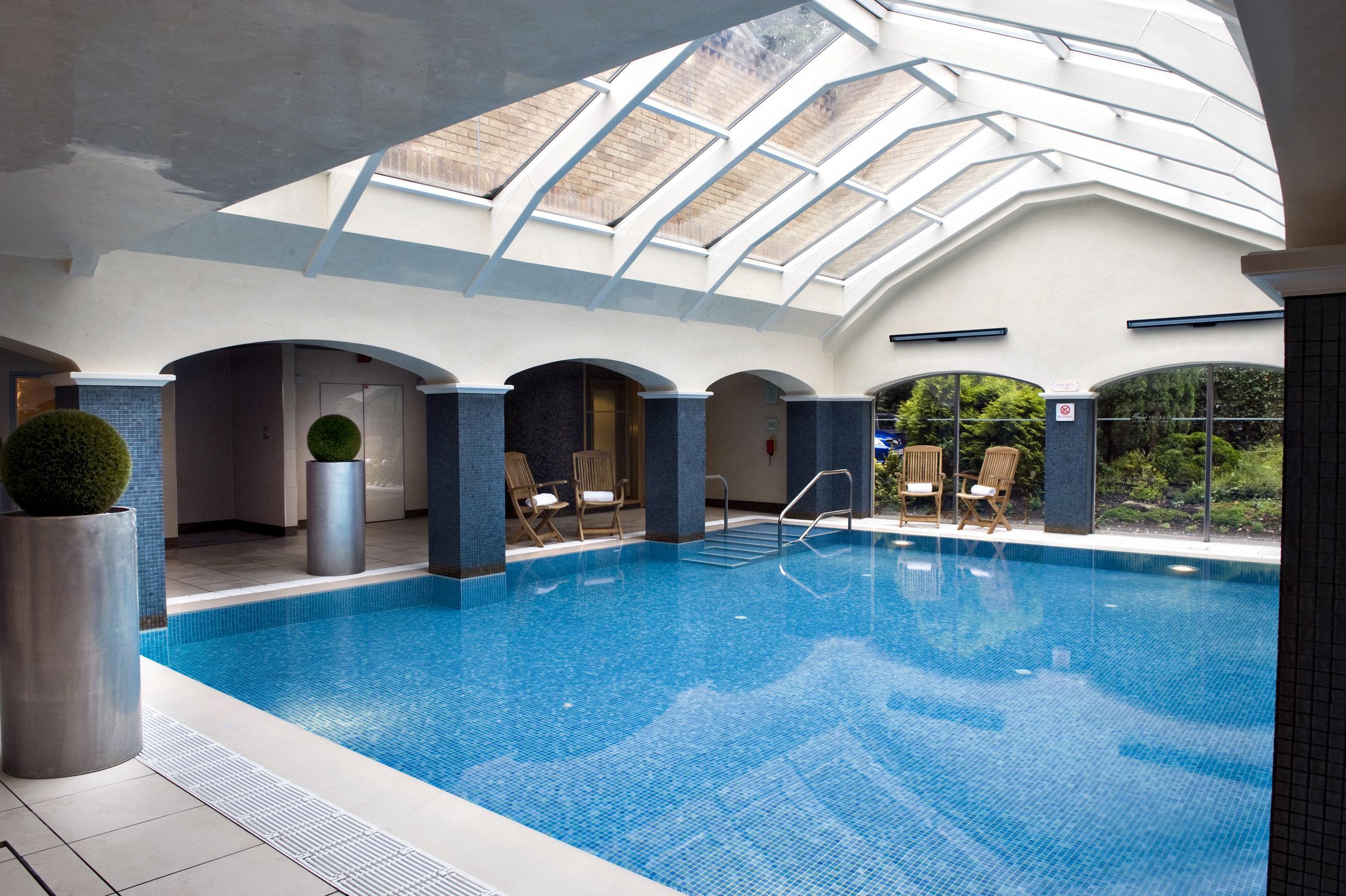 EPH_swimming pool (non spa hotel).jpg