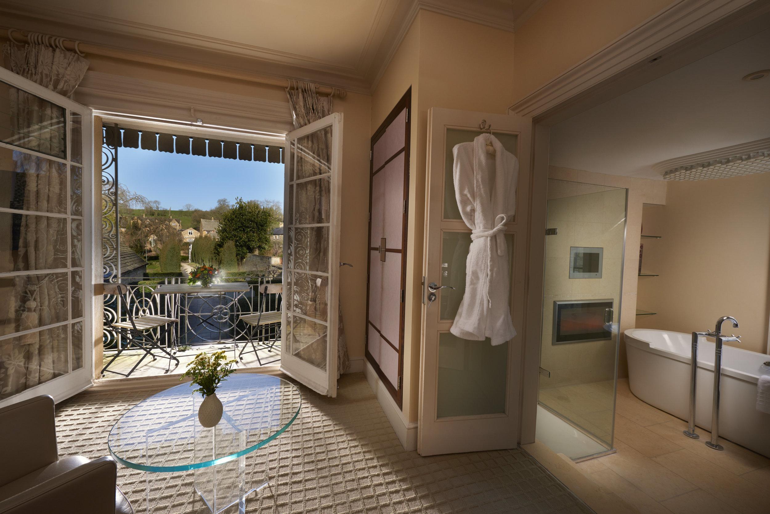 Junior Suite Room 15.jpg