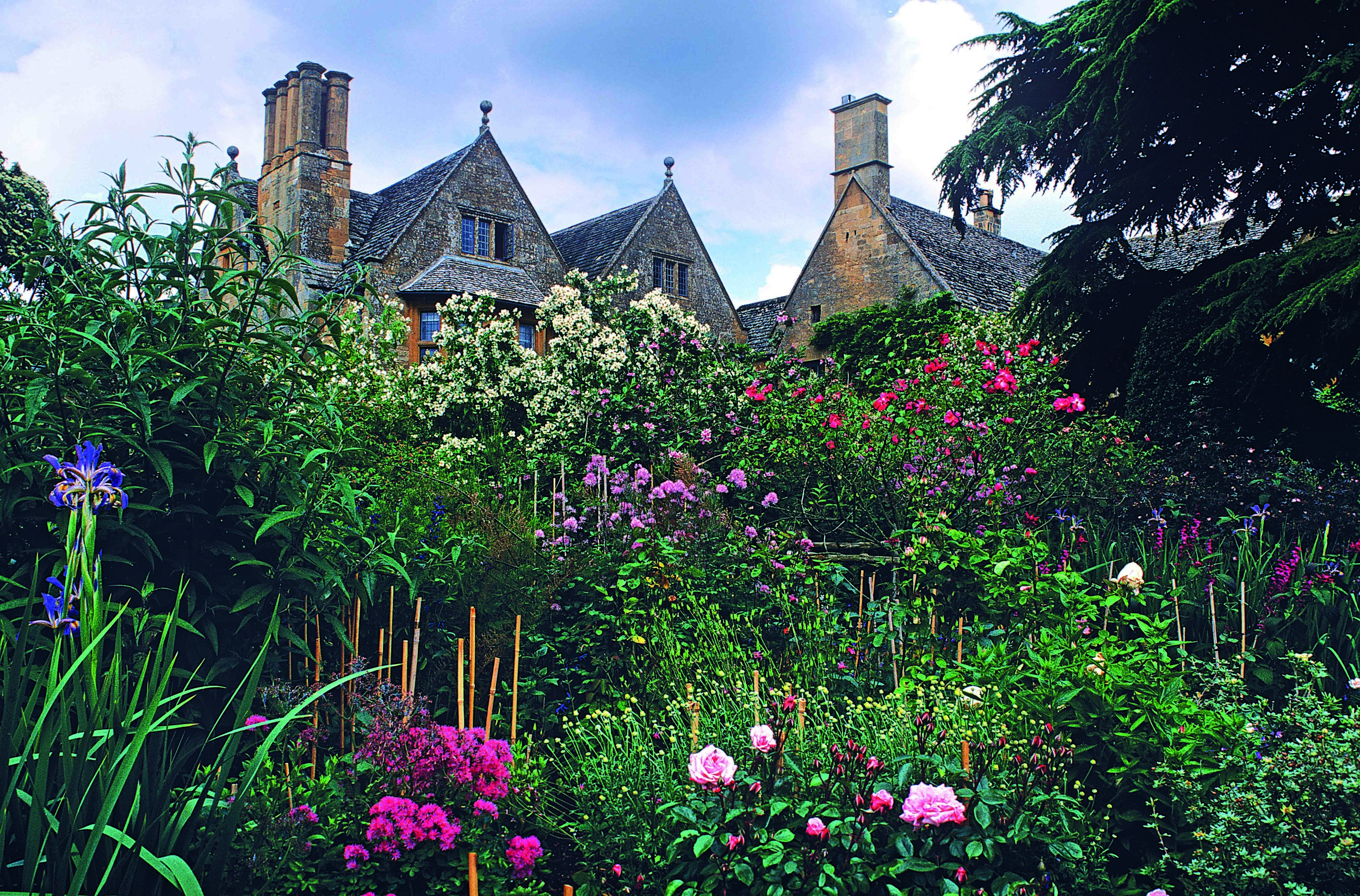 Hidcote Manor Garden, Chipping Campden, Gloucs., England.jpg