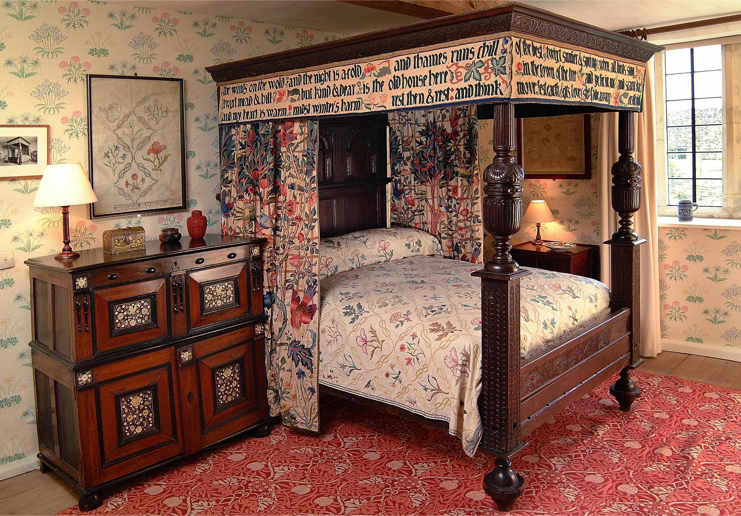 William Morris' Bedroom Kelmscott.jpg