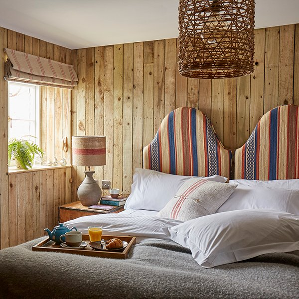 Artist-Residence-Cornwall-Comfy-House-DoubleTwin.jpg