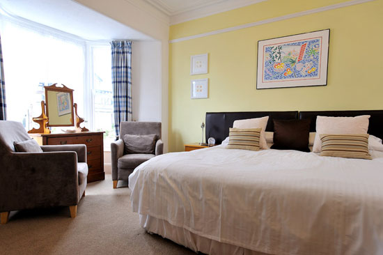 room32-lrg.jpg