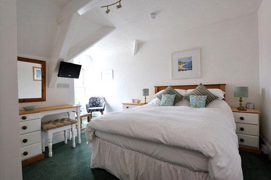 b-and-b-cornwall-room28-lrg.jpg